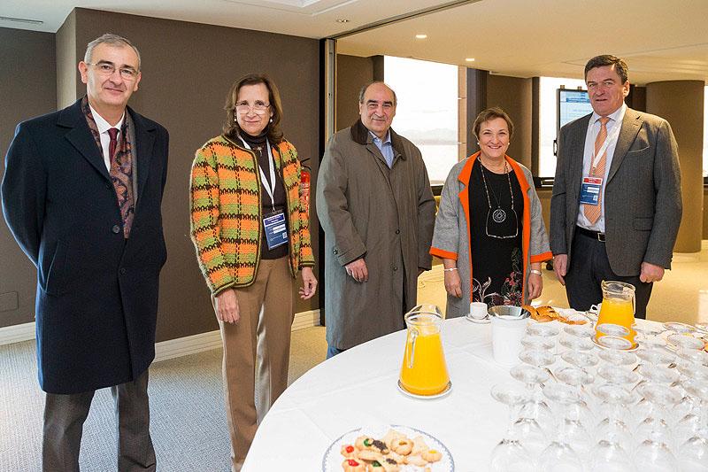 Maria Luisa real junto con los participantes en el coloquio del congreso SEMERGEN.Foto Miguel Lopez