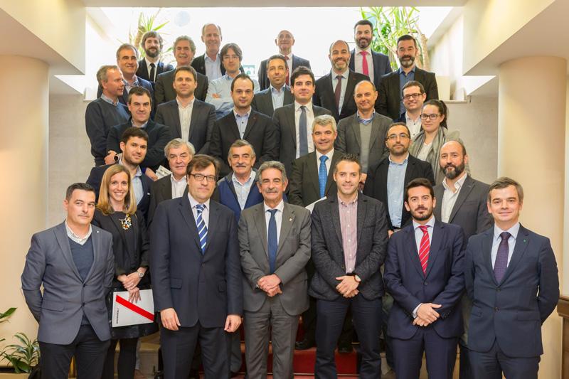 Revilla afirma que los Presupuestos de Cantabria para 2017 tendrán