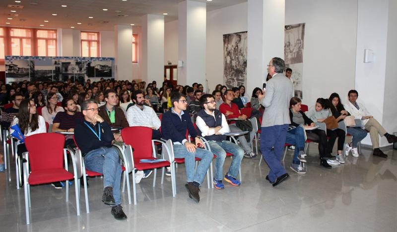 Valdecilla presenta su oferta asistencial, docente e investigadora a cerca de 120 futuros residentes