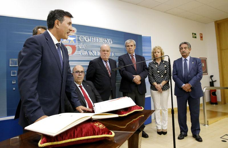 Fernández Mañanes afirma que el diálogo y la participación guiarán su gestión al frente de la Consejería de Educación, Cultura y Deporte