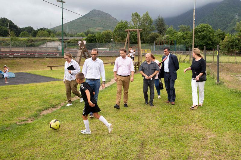 El Gobierno de Cantabria invertirá 35.000 euros en la primera fase del campo de entrenamiento de Bárcena de Pie de Concha