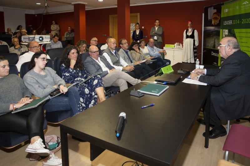 Jesús Oria defiende un medio rural acogedor que facilite la fijación de la población y su desarrollo social y económico