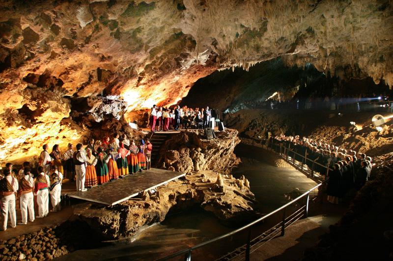 La Cueva del Soplao supone un valor añadido bruto de más de 40 millones de euros anuales para Cantabria