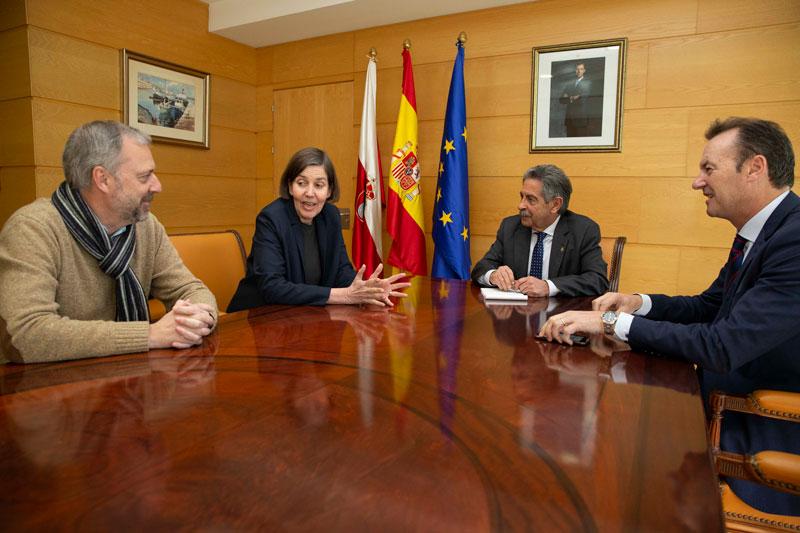 El presidente expresa la voluntad del Gobierno cántabro de colaborar en los nuevos proyectos de la UIMP