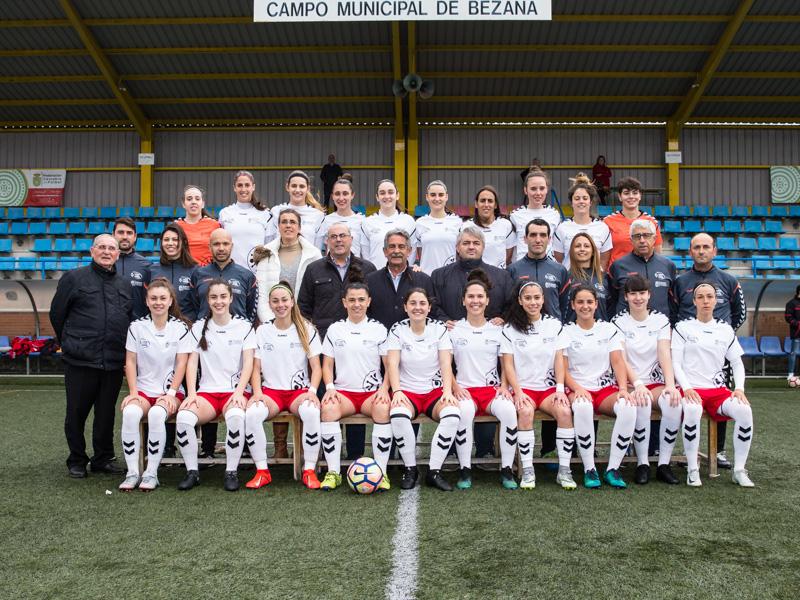 Revilla asiste al partido de fútbol femenino entre las selecciones de Cantabria y Asturias