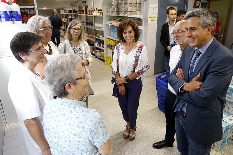 Zuloaga anuncia una inversión de cerca de 170.000 euros para el servicio de economato de la Cocina Económica