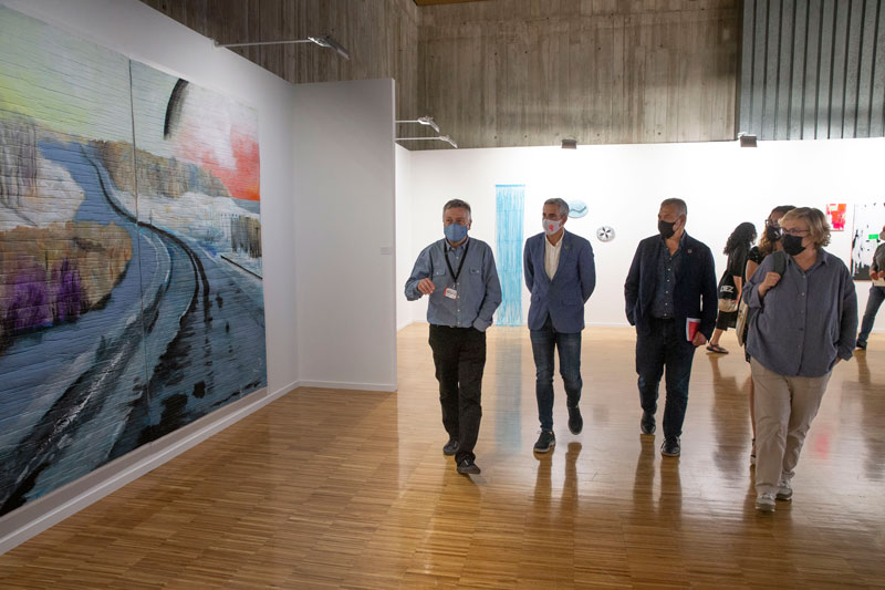 """Vicepresidencia adquiere en Artesantander cinco piezas de galeristas cántabros para """"enriquecer"""" la Colección Norte"""
