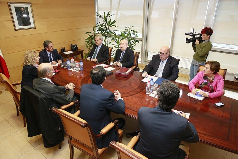 Aprobado el proyecto de ley que reforma el régimen jurídico del Gobierno autonómico y su sector público